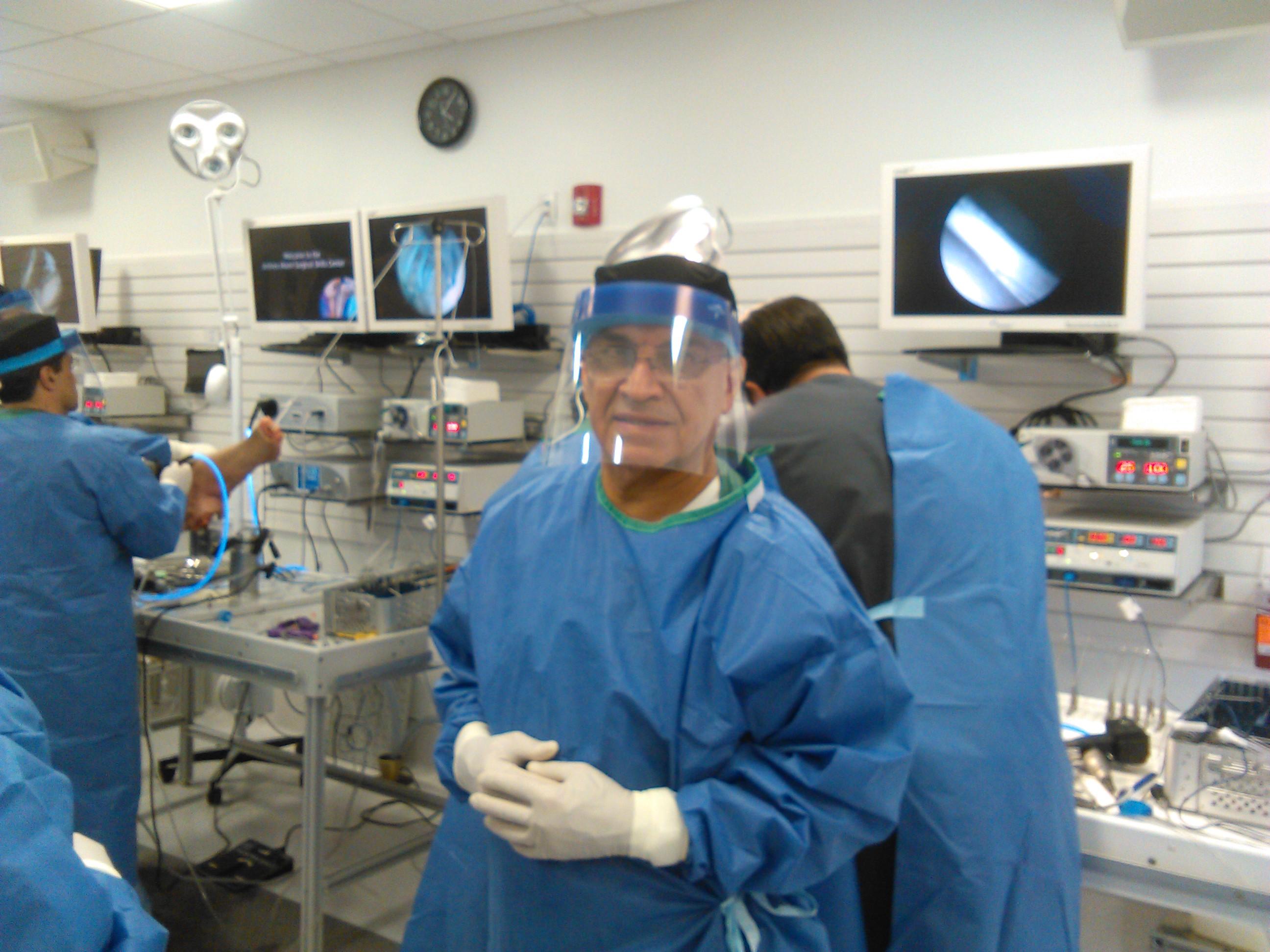 No hay diferencia funcional entre tres y seis semanas de inmovilización después de la reparación artroscópica del manguito rotador: un ensayo prospectivo aleatorizado de no inferioridad controlada.